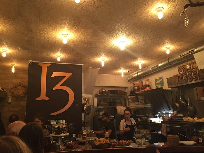 1 a Baker's Dozen. La Nantaise à Paris (1)