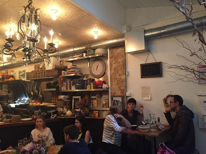 1 a Baker's Dozen. La Nantaise à Paris (3)