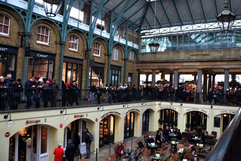 Londres. Covent Garden. La Nantaise à Paris (1)