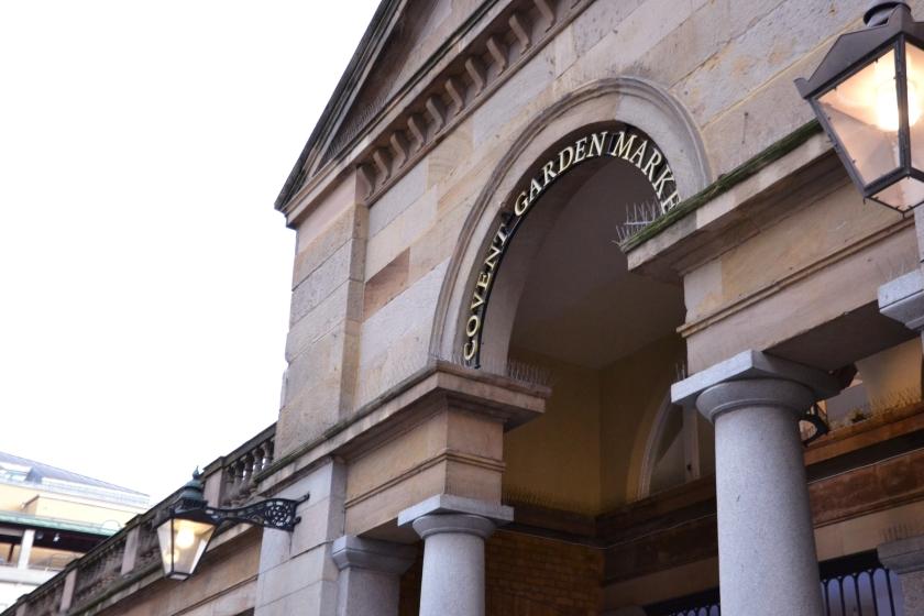 Londres. Covent Garden. La Nantaise à Paris (2)