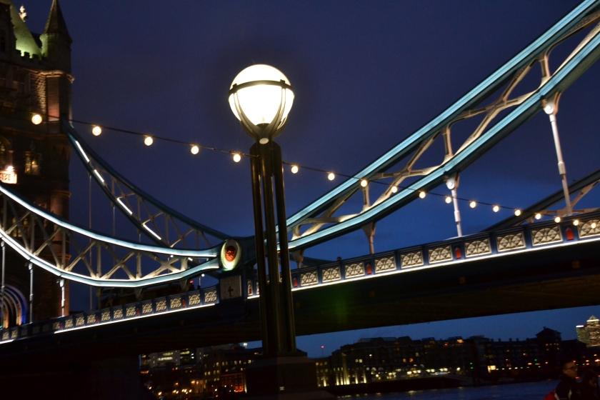 Londres. Tower Bridge. La Nantaise à Paris (2)